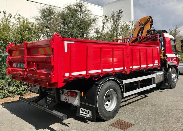DAF LF 260 FA – 19 ton met kipper en Effer-kraan foto 2